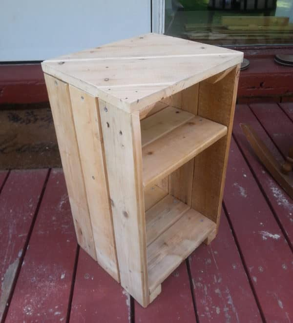 With styling like a large fruit crate on the sides, and a beautiful diagonal top, this Pallet Side Table can be used in almost any room of the house.