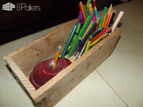 There is nothing better than a simple Pencil Box as a fun School Days Pallet Project.