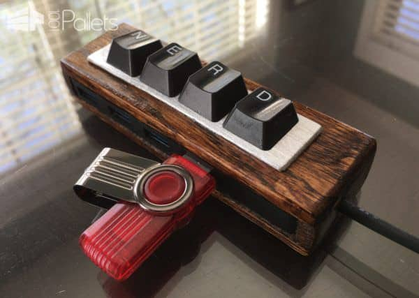 A perfect School Days Pallet Project for that nerd in the family - make this USB expander.