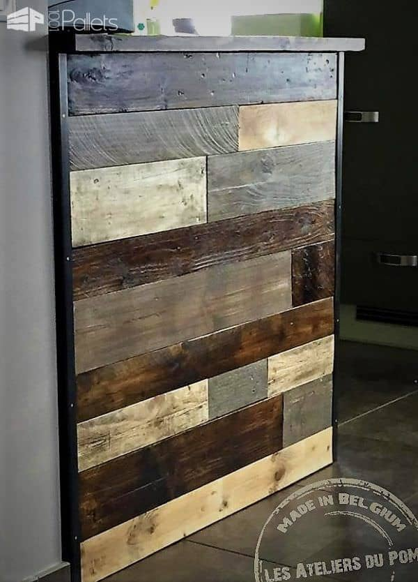 Patchwork Pallet Bar is made by judicious use of two stains plus the natural color, staggered to make a pleasing pattern.
