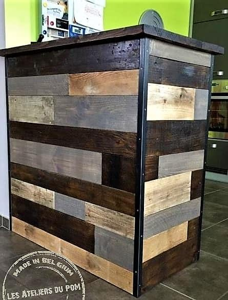 Patchwork Pallet Bar features metal angle brackets, gorgeous stain and a walnut-toned top.