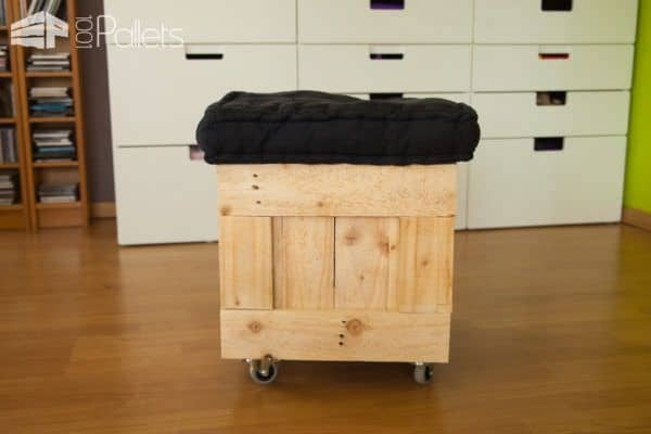 All of the dimensions for this Pallet Pouf Seat are the same: 40x40x40 cm.