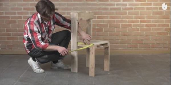 Video Tutorial: Simple Pallet Chair! DIY Pallet Video Tutorials Pallet Benches, Pallet Chairs & Stools