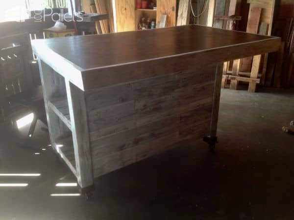 Rolling Pallet Kitchen Island has a large, cantilevered counter to provide lots of seating space.