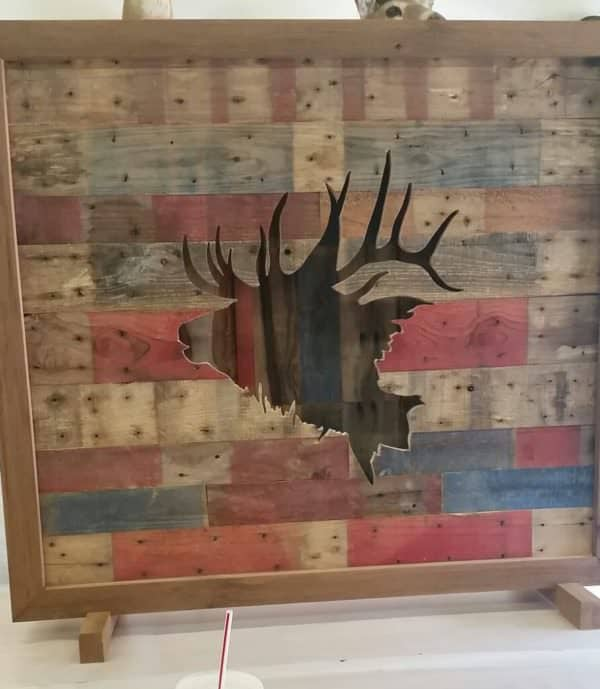This Pallet Elk Wall Art idea is adaptable to any type of image/cutout you want. Just choose your image, transfer it to the pallet wood and cut it out!