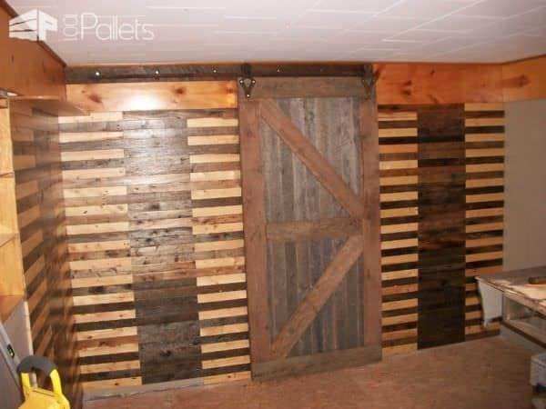 Pallet Wood Walls look beautiful when you alternate tones!
