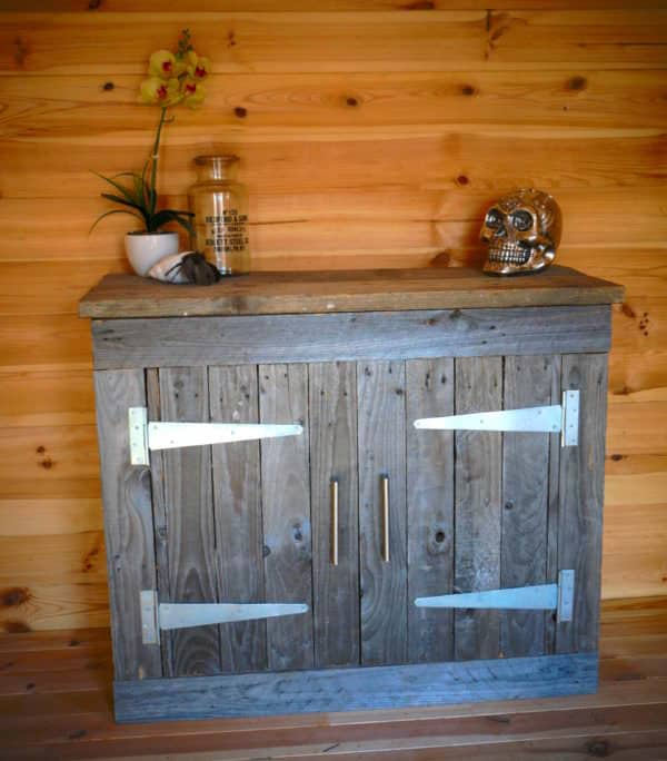 This Reclaimed Pallet Wood Cabinet would be fabulous for any room of the house.