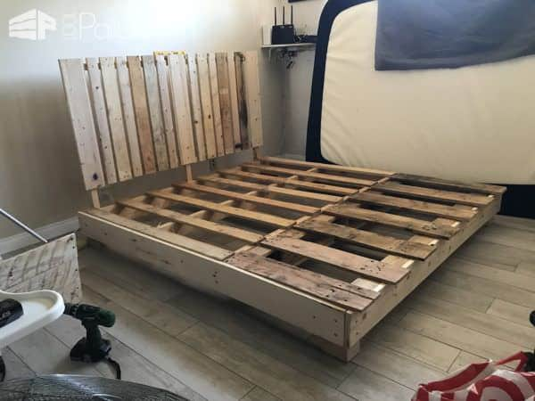 Four pallet bed frame with side table 1001 pallets for Pallet bed frame with side tables