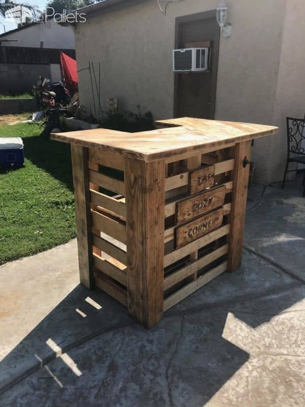This Herringbone Pattern Pallet Bar is the right size for a large or small yard. It looks great and features some woodburned edges for a bit of character.