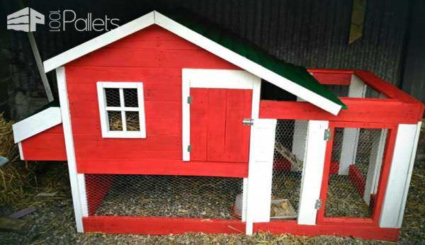 Little Red Pallet Henhouse / Poulailler En Palette Animal Pallet Houses & Pallet Supplies
