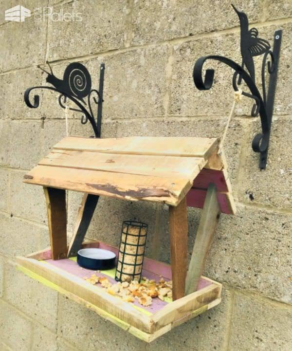This Easy Pallet Bird Feeder uses scraps and remnants of other wood projects.