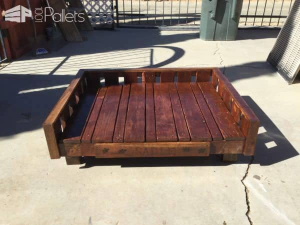 This Raised Pallet Dog Bed can accommodate a large size dog.