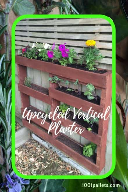 Staggered Vertical Pallet Planter