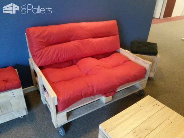 This charming Mobile Pallet Loveseat set is inviting with fluffy cushions and bright colors.