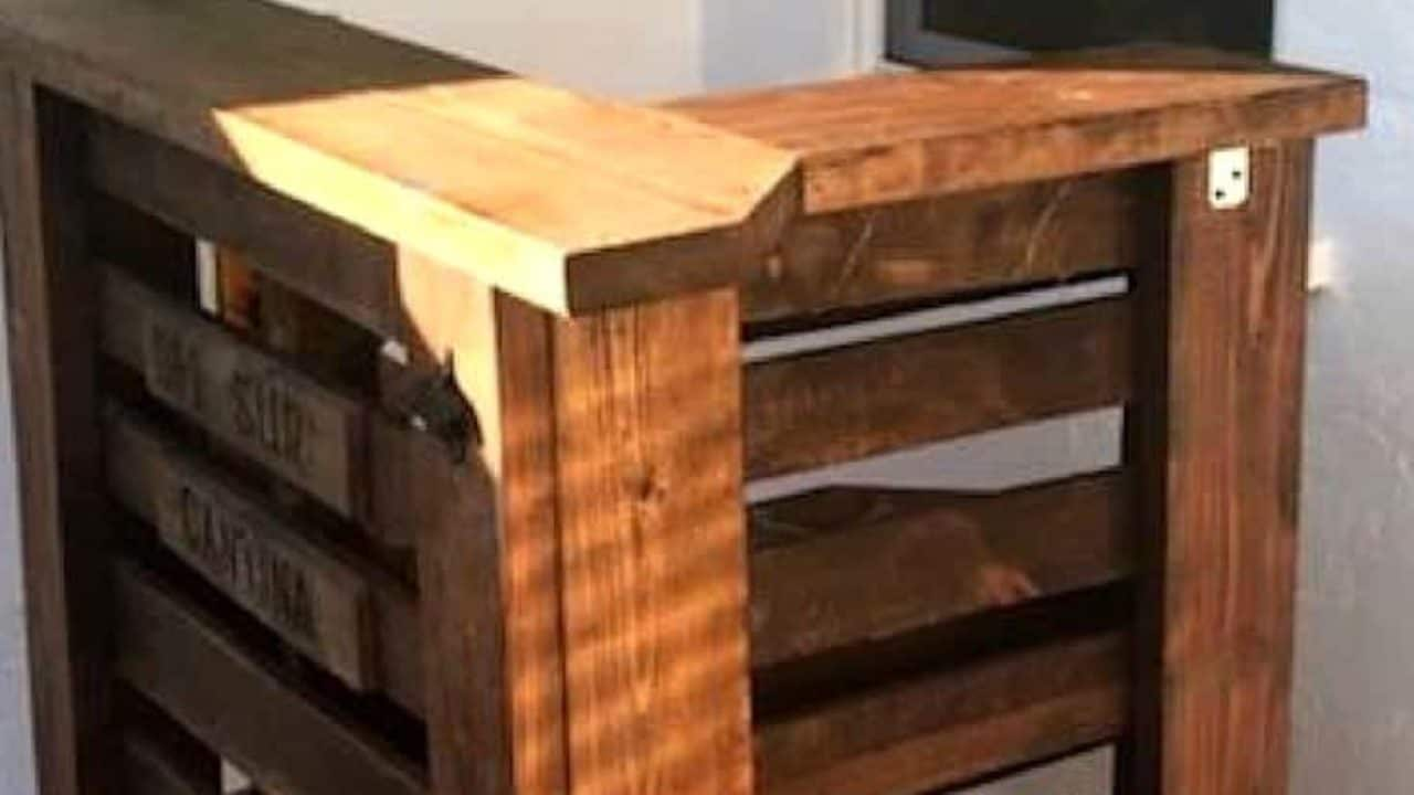 L Shaped Pallet Bar Uses Small Areas Perfectly 1001 Pallets