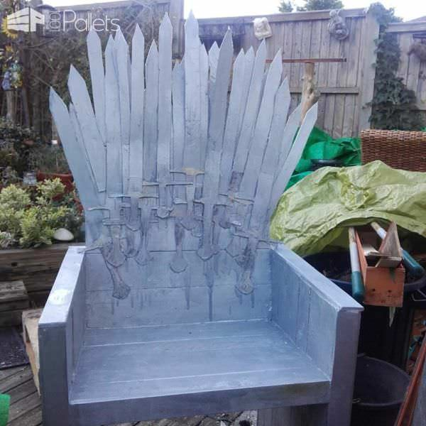 This creative combination of cardboard, lots of varnish and metallic paint make this Pallet Iron Throne Chair look quite realistic.