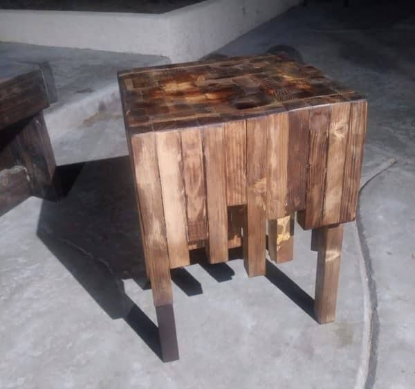 This Pallet Wood Side Table allows you to show your unique side by finishing it any way you wish.