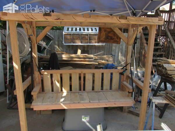 Don't fear oversized pallets. Those heavy posts make a beautiful Pallet Arbor.