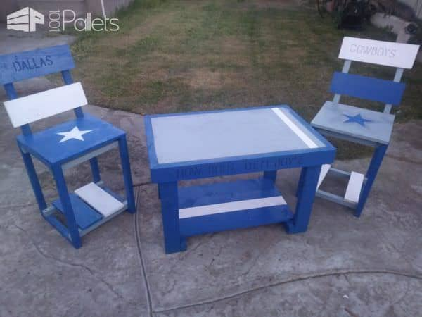 Cowboys Pallet Table Set like this Dallas Cowboys-themed group lets the neighbors know which NFL team you support.