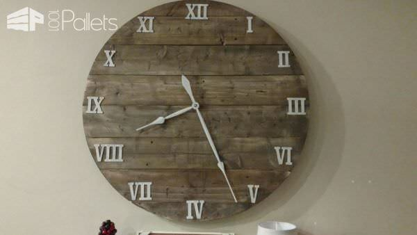 Make This Budget-friendly 40″ Pallet Farmhouse Clock Pallet Clocks
