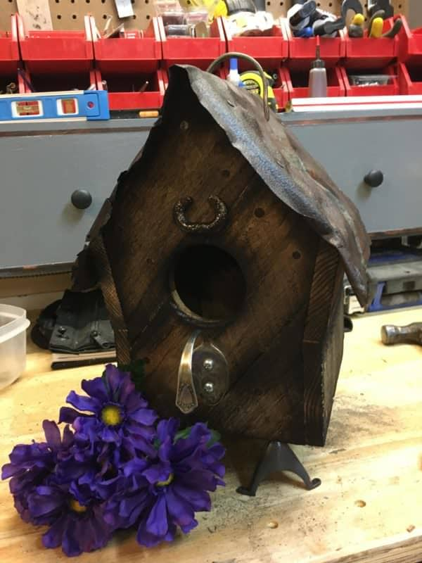 Tin-topped Barn Style Birdhouse Has Spoon Perch! Animal Pallet Houses & Pallet Supplies DIY Pallet Video Tutorials