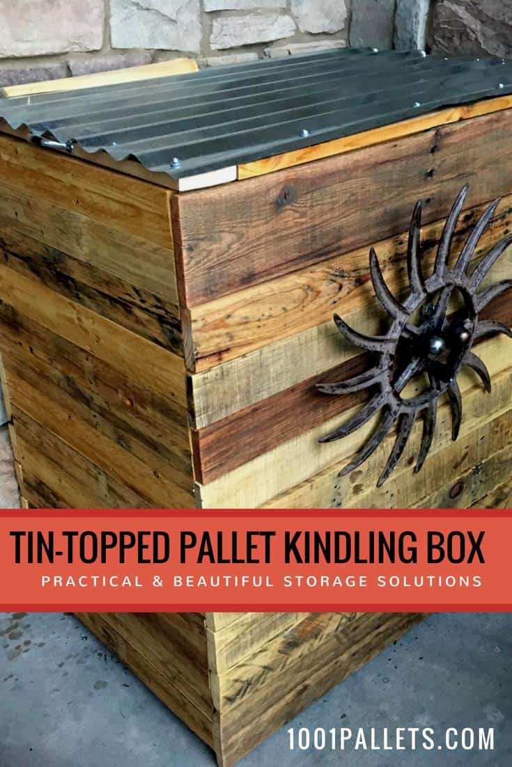 Build a beautiful Tin-Topped Pallet Kindling Box! Create attractive storage solutions for your indoor and outdoor spaces with this idea. The tin top is lightweight & easy to open. #palletstorageideas #diypalletprojects #palletbox #palletbin