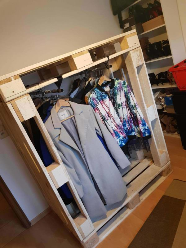 Pallet Wardrobe adds lots of needed storage and organization space for your closet.