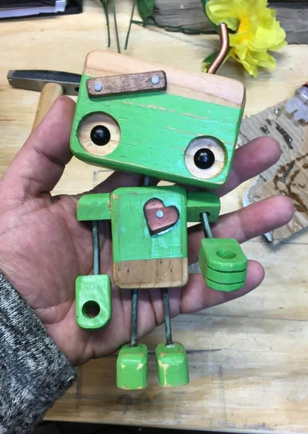 Pallet Wood Robots are better than tin robots! Much cuter!