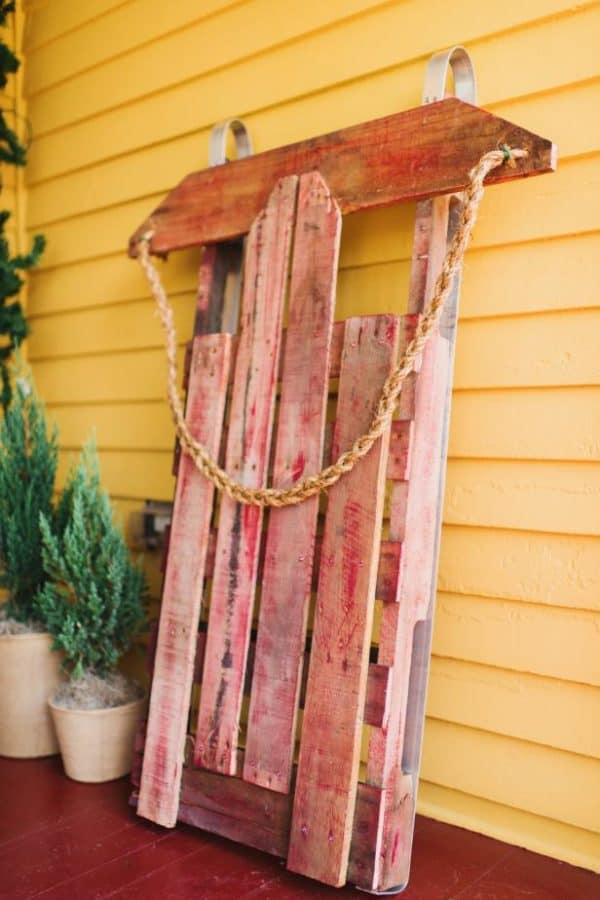 8 Terrific Pallet Sleds You Can Make Quickly! Fun Pallet Crafts for Kids