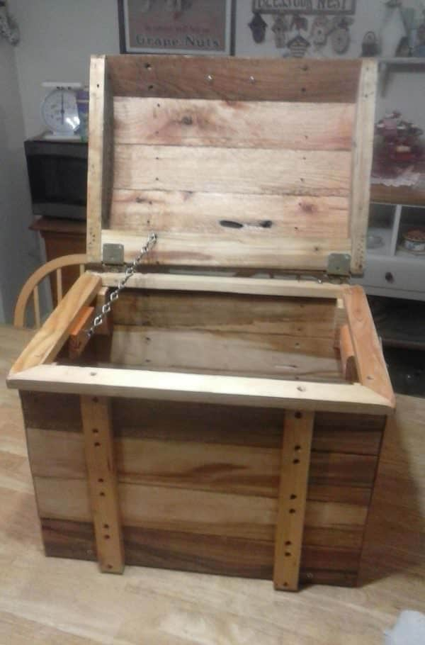 Pallet Treasure Chest with the top lifted up.