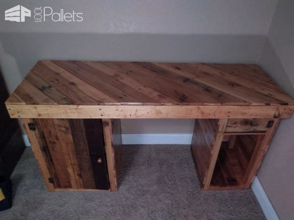 Golden Pecan-stained Pallet Office Desk Pallet Desks & Pallet Tables