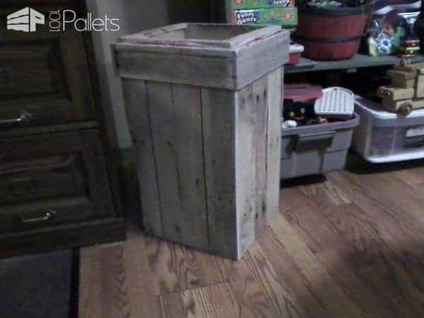 Pallet Wastebasket is perfect for indoors or outdoor settings.