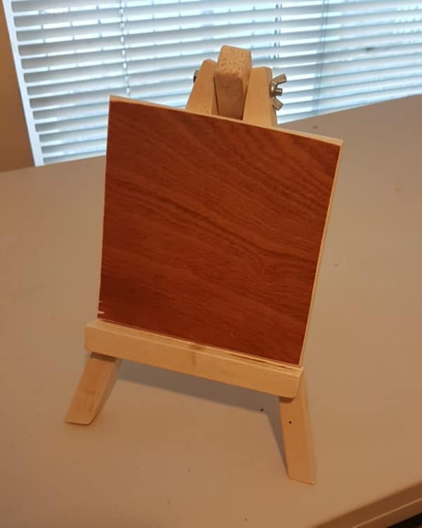 This sweet Pallet Wood Artist's Easel is an amazing gift for the artist in your family.