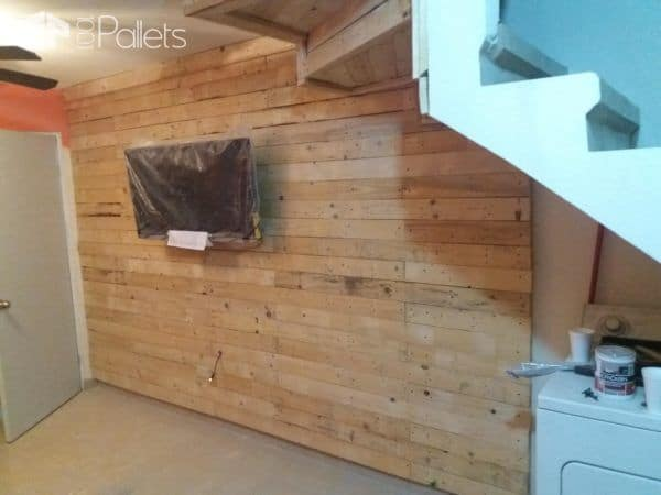 Pallet Focal Wall Adds Pizazz Behind Tv Pallet Walls & Pallet Doors