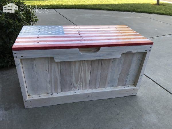 I used the pallet stringer boards with the forklift slots on the Patriotic Pallet Bench for added detail.