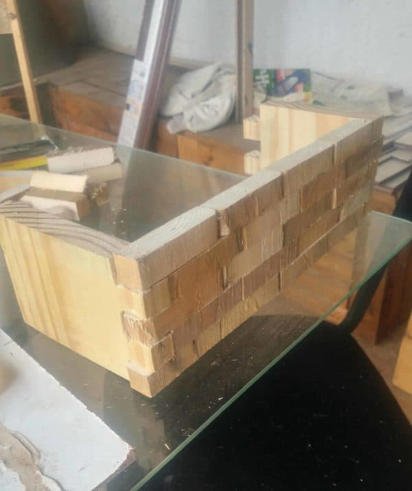 The brickwork design created a natural dovetail to join the sides together on my Pallet Jewelry Box.