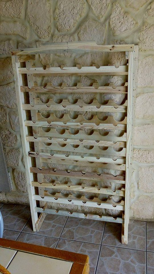 Stately Wine Rack Using Pallet Wood/ Porte Bouteilles En Palettes Pallet Shelves & Pallet Coat Hangers