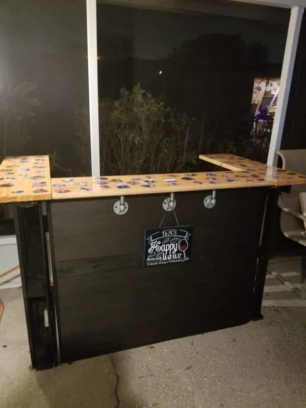 The finished 3 Pallet Bar.