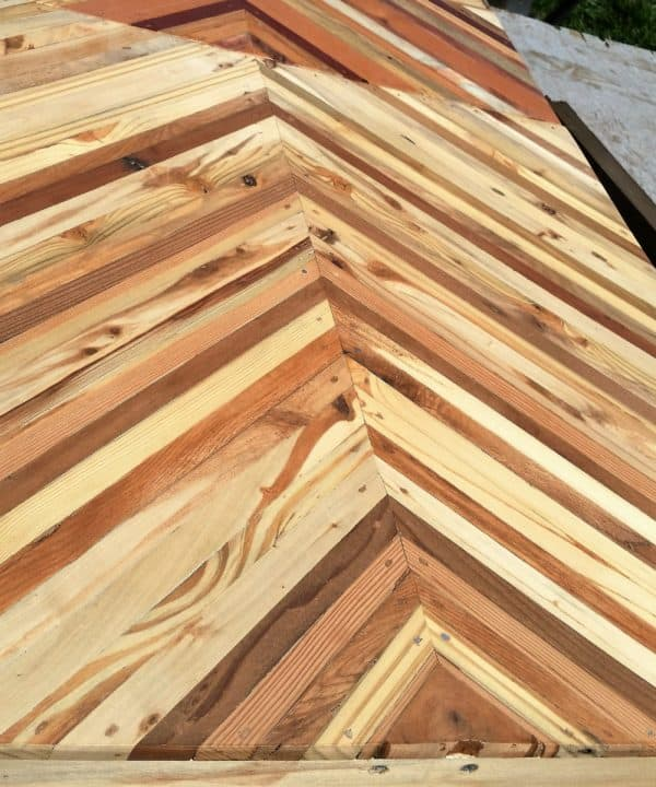 Laminate Two Wood Types For Two Toned Pallet Wood Projects