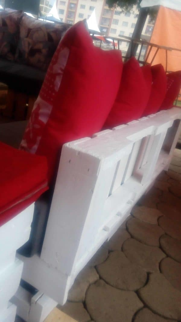 Unique Pallet Sofa with Red Cushions Pallet Sofas & Couches