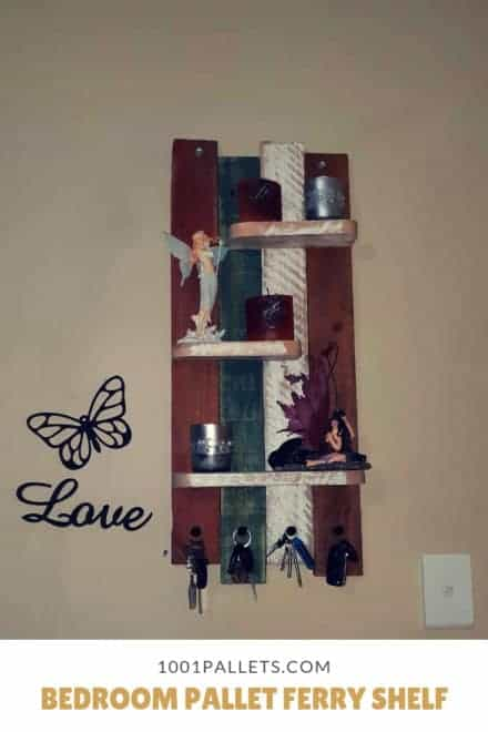 Bedroom Pallet Ferry Shelf