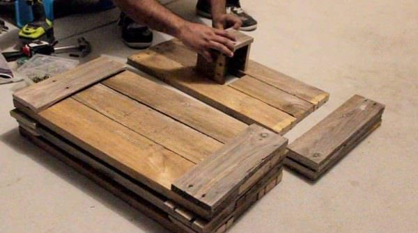 Diy: Build a Tulsi Manch Out of Pallet Wood DIY Pallet Tutorials DIY Pallet Video Tutorials Pallet Home Décor Ideas
