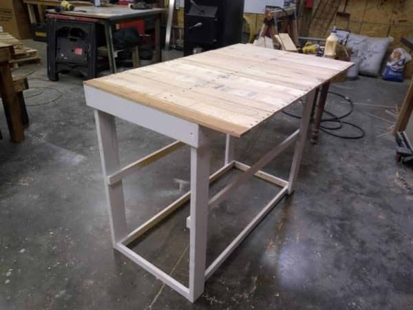 Pallet Wood Bar with Three Shelves