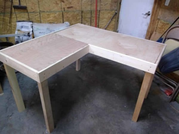 Two-toned Pallet Wood Computer Desk Pallet Desks & Pallet Tables