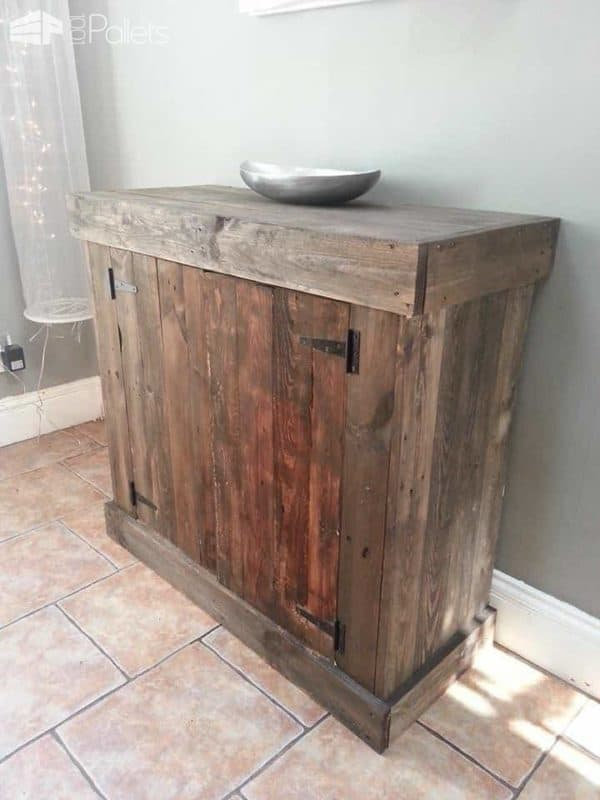 Top Tips on How to Upcycle Wooden Pallets in Order to Create Stylish and Useful Storage Spaces in Your Home Pallet Furniture