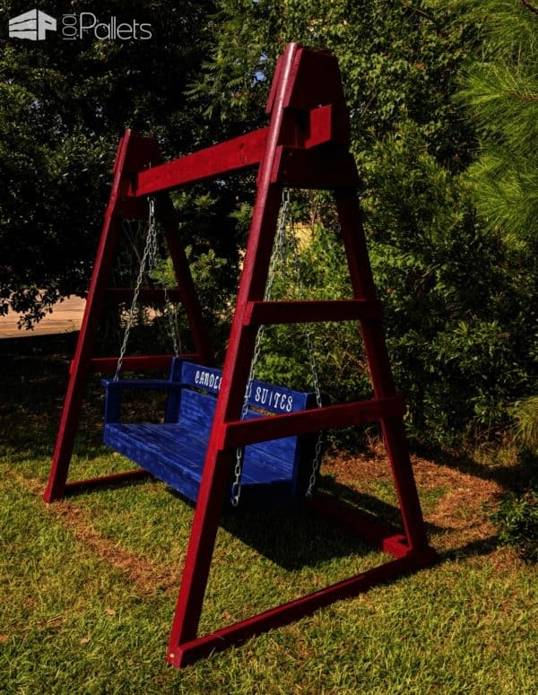 A-frame Swing from One Commercial Size Pallet Pallets in the Garden
