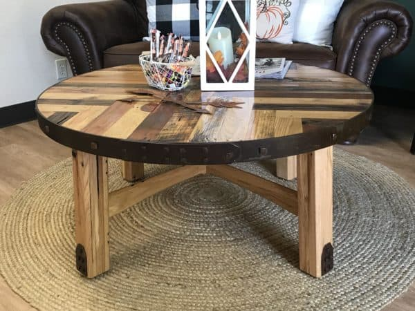 Pallet Coffee Table For a Waiting Room Pallet Coffee Tables