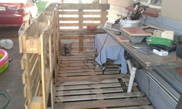 5 Pallets Outdoor Bar Pallet Bars