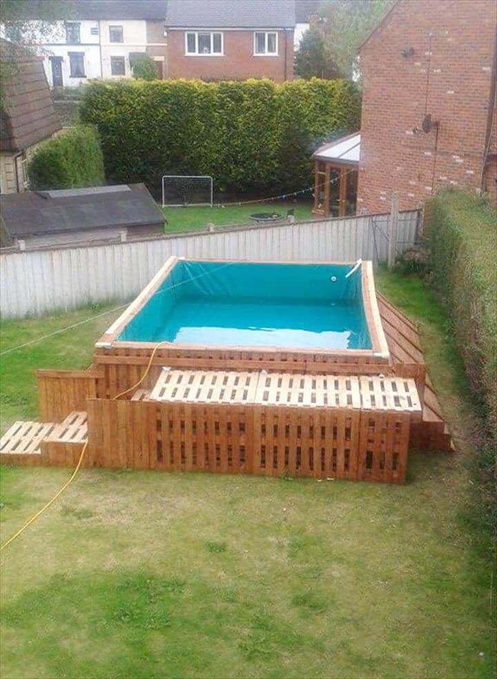 Build a Swimming Pool Out Of 40 Pallets Pallets in the Garden