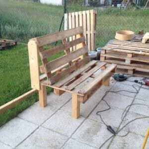 Create or expand your outdoor seating with this easy-to-make bench idea!